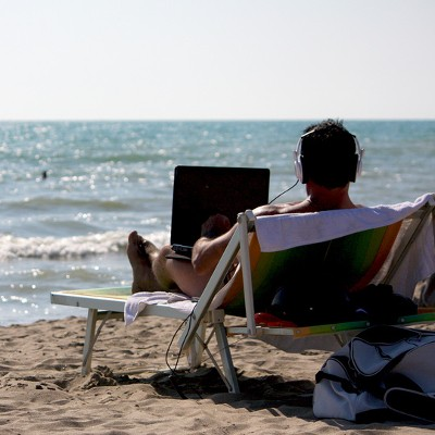 Is Unplugging From Technology While on Vacation a Good Idea?