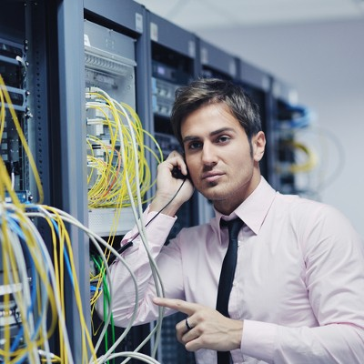 2 Advantages to Hosting Your Own Phone System In-House